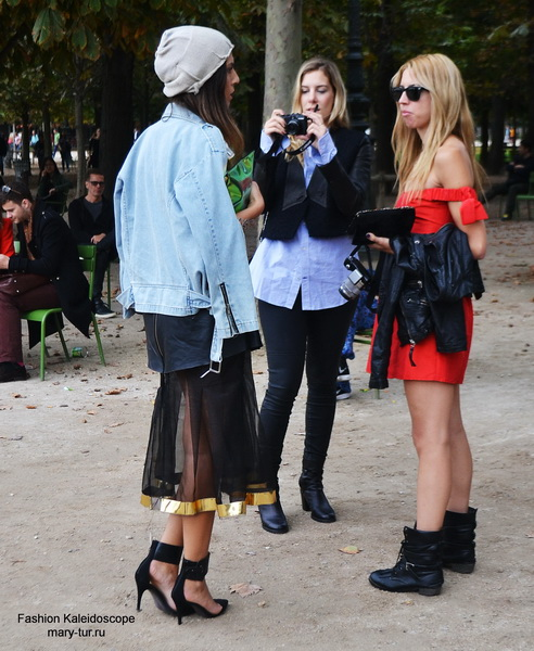 Paris Fashion Week - streetstyle before Elie Saab Spring 2014