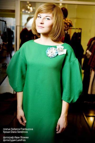 Новый Год и Рождество 2014: выбираем образы к праздникам. Платье Sultanna Frantsuzova, броши Diana Serebrova