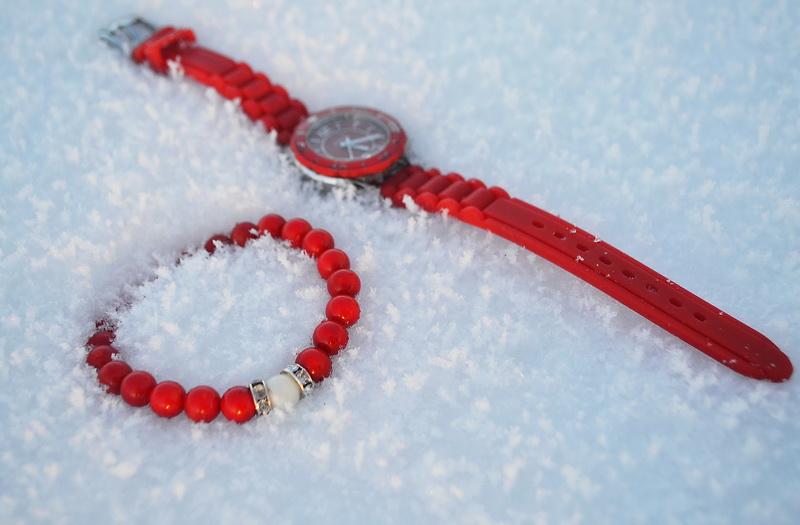 Волшебство красного - часы Fossil и браслет Anna Slavutina