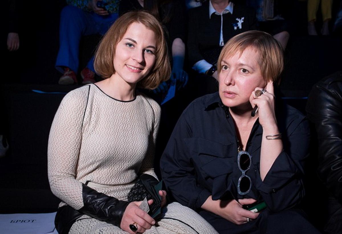 Фотограф - Дима Бабушкин. Источник - intermoda.ru. FRONT ROW перед показом  YeZ by YEGOR ZAITSEV