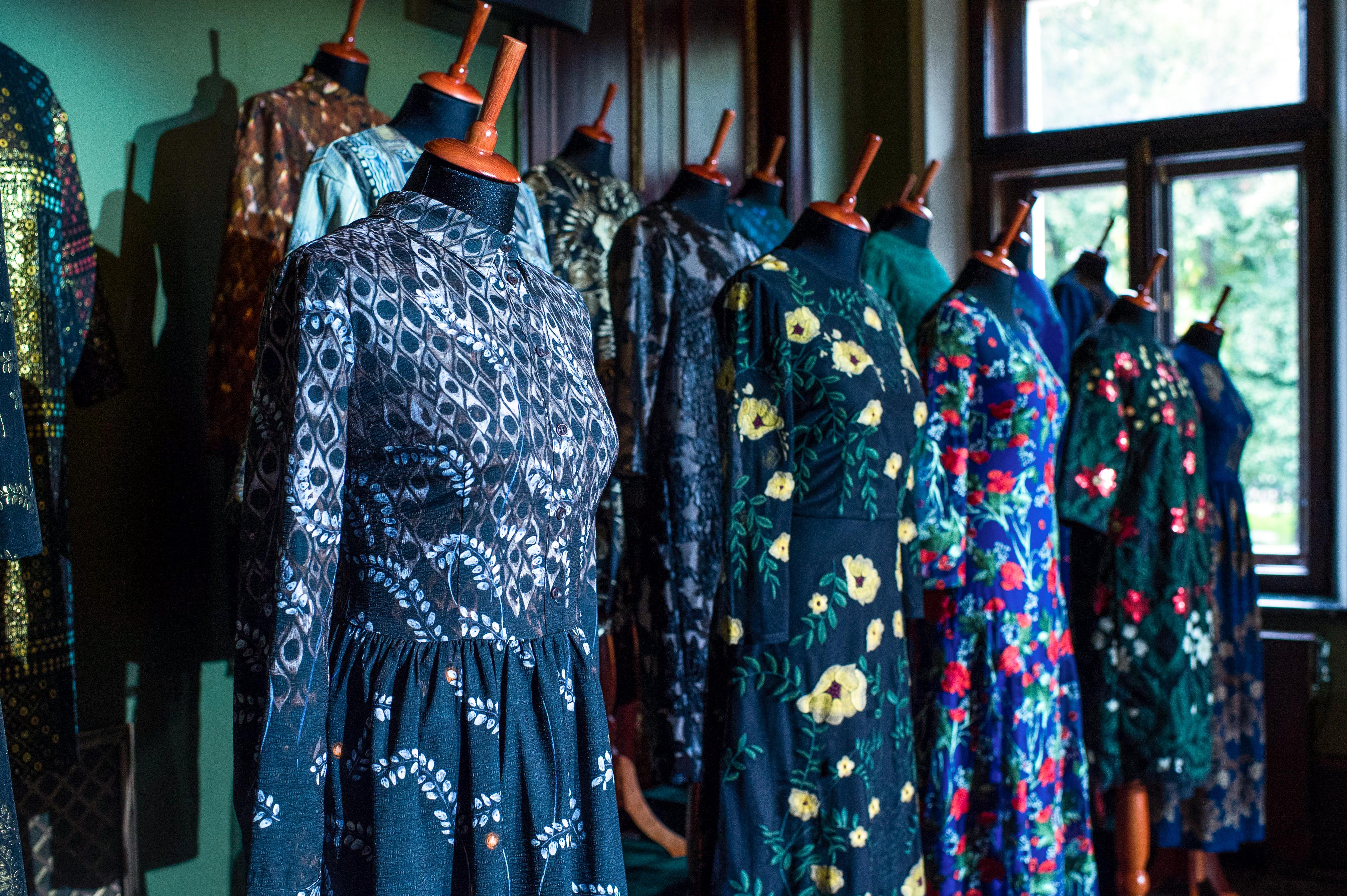 Презентация капсульных коллекций одежды и парфюма Faberlic by Alena Akhmadullina