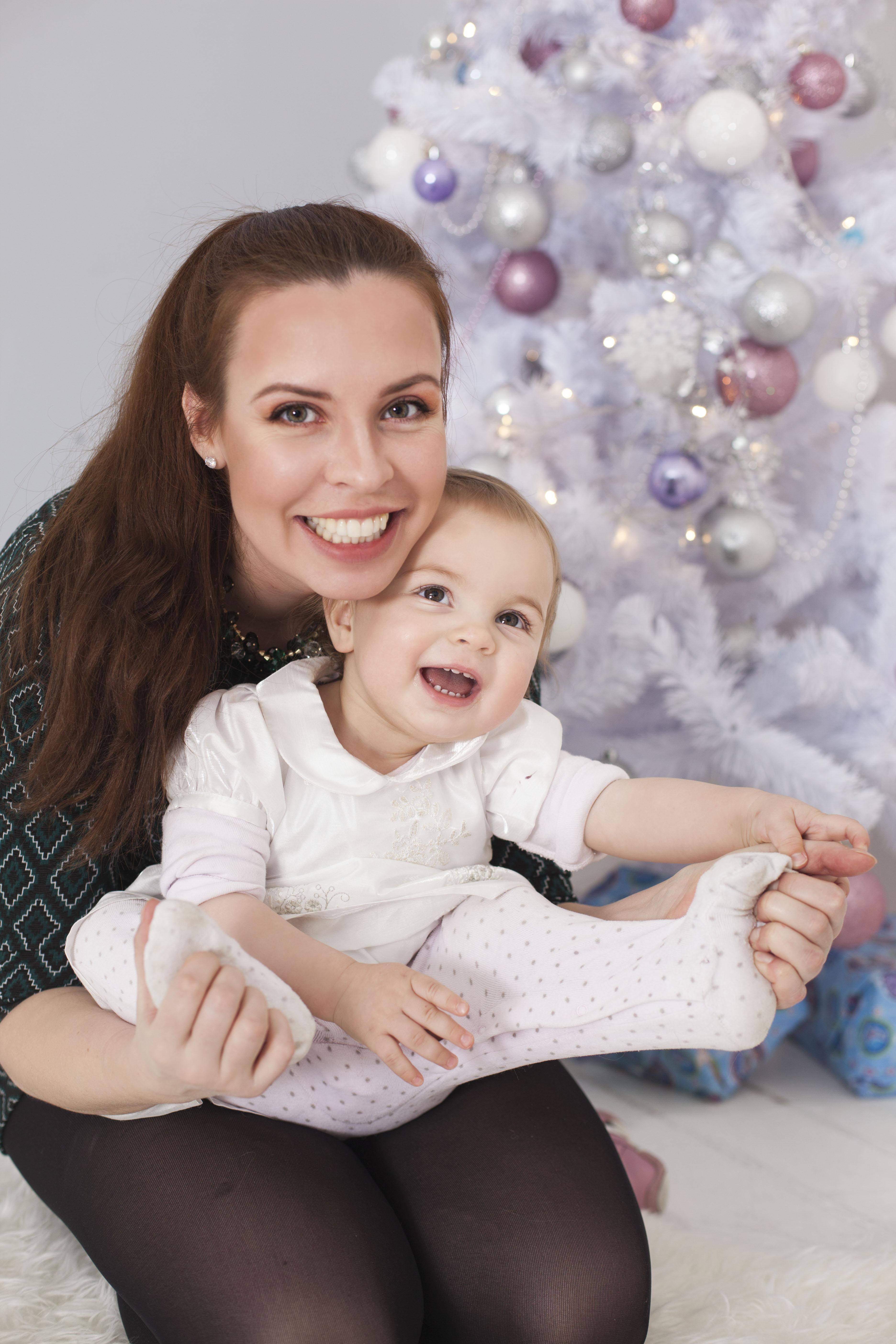 Актриса театра и кино Ирина Рудоминская с дочкой Арсенией