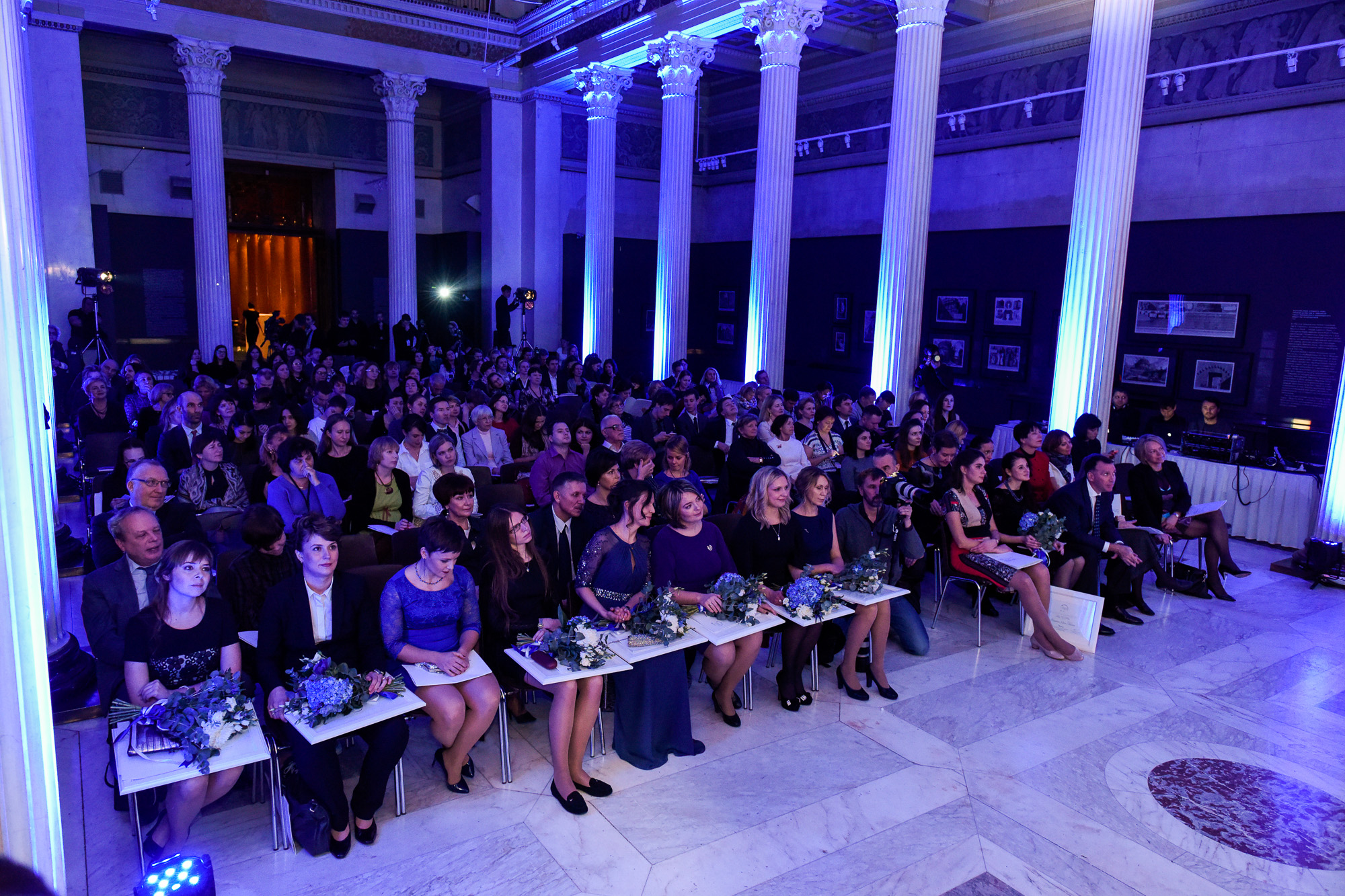 10-я юбилейная церемония вручения национальных стипендий L'ORÉAL-UNESCO «Для женщин в науке»